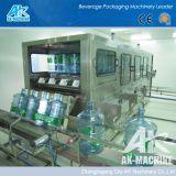 Automatique de l'eau minérale en bouteille de 5 gallons d'embouteillage de machines de remplissage