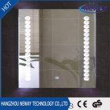 Espejo encendido elegante de plata de la aduana LED del cuarto de baño de la vanidad