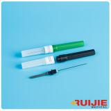 Medizinische grüne Blut-Ansammlungs-Nadel