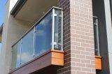"""пол угловойого столба/нержавеющей стали квадрата 36 """" рельсовых систем нержавеющей стали - установленная балюстрада стекла балкона"""