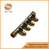 Múltiple de cobre amarillo con 3 conexiones