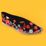 Чернота способа женщин указала чернота Espadrilles пальца ноги вышитая цветком плоская
