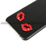 Кожаный случай мобильного телефона с сексуальный красными губами