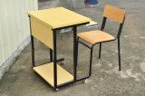 Het houten Enige Bureau van de Student van het Klaslokaal met Wielen