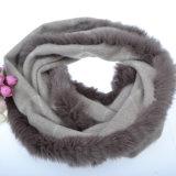 女性のための毛皮が付いている方法カシミヤ織のスカーフ