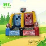 挑戦的な子供のおもちゃとしてバンジーによって実行される膨脹可能なバスケットボールのスポーツのゲーム
