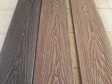 L'extérieur de la Chine WPC 3D en bois massif de gaufrage planchers composites en plastique