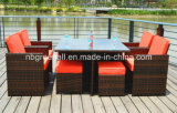 Outdoor / Indoor Rattan Cube Mesa de jantar Garden Line Patio Furniture