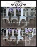 Le café en métal vintage chaise avec siège en bois