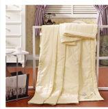 Edredão fina fresca do verão de seda do algodão, edredão necessária do sono despido próximo da pele