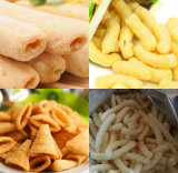 Le materie prime hanno soffiato alimento della macchina di produzione alimentare degli spuntini del cereale