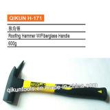 La mano del hardware della costruzione H-166 lavora il tipo francese martello da carpentiere con la maniglia blu della vetroresina