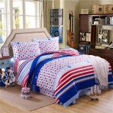 ホームまたはホテルの慰める人の羽毛布団カバー寝具セットのための三重の織物の100%年の綿の高品質の寝具セット