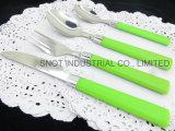 Ss het Tafelgereedschap van de Lepel van het Roestvrij staal van de Lepel met Plastic Handvat