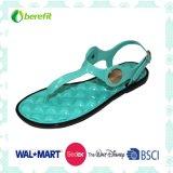 Il PVC superiore e solo, inietta i sandali