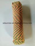 ツイストおよび編みこみのロープ