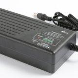 Chargeur de batterie lithium-ion de la vente directe 29.4V 2A-3A d'usine avec l'indicateur 4LEDs