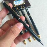 In het groot Hoogte - Eind die de Creatieve Bal Van de Bedrijfs reclame van het Metaal roteren - de Pen van het Punt