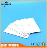 Novo Cartão de RFID em branco do material impresso pela impressora térmica
