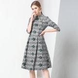 Form-klassisches Plaid-Kleid a - Zeile Muffe