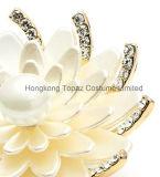 Bergkristal van de legering simuleerde de Broche van het Banket van de Huwelijken van de Witte van de Sneeuw van Lotus van de Bloem Vrouwen van de Broches (EB04)