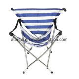 キャンプし、採取し、ハイキングし、浜、ピクニック、そして余暇の使用のためのキャンプの屋外の折る松葉ずえの椅子