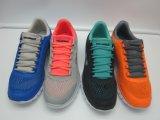 Los cuatro colores cómodos se encienden y las zapatillas de deporte de los hombres corrientes del deporte de la suavidad con la planta del pie de EVA