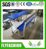 A escola de turismo 3 Bancos aluno cadeira de mesa móveis em sala de aula