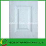 白いPVCによって薄板にされるMDFのキャビネットドア