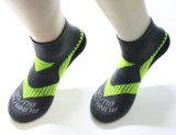 Носки спорта логоса напольного Breathable спорта носок изготовленный на заказ