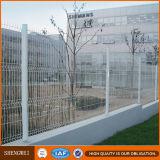 正方形の管PVC白いくねりの金網の塀はシステムにパネルをはめる