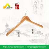 Cabide de bambu com gancho de metal e clipes para homens