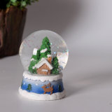 Resina Custom Made Christmas Tree Water Snow Globe para venda