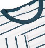 Hommes blancs et T-shirt rayé bleu