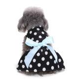 Платье любимчика рубашки собаки милых одежд собаки платья собаки тесемки МНОГОТОЧИЯ польки уютное