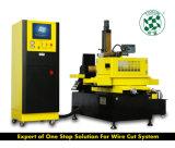 CNC de Draad die van de Hoge snelheid EDM DK7740/electric dischagemachine snijden