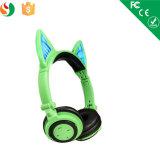 Colorare la cuffia sveglia di Bluetooth dell'orecchio di gatto del LED per le ragazze