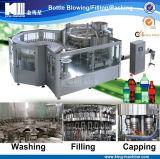 Завалка воды соды флейвора и машина упаковки