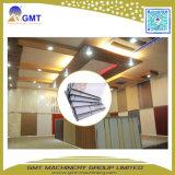 Extrudeuse de fabrication faisante le coin de machine de PVC de décoration de tuile en plastique de plafond