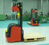 O Robô do carro elevador Utilização do laser de grande armazém