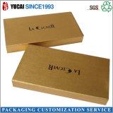 Boîte-cadeau de papier de cadre de couleur d'or avec le logo