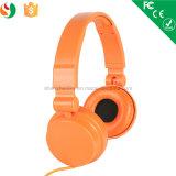 Usine colorée d'écouteur d'OEM de stéréo des prix bon marché avec le microphone Lx-168