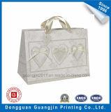 中心の形の装飾のクラフト紙のギフトの包装袋