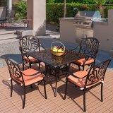 1つは鋳造アルミ材料の表および椅子をセット