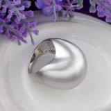 De hoog Opgepoetste Witte Ring van de Juwelen van de Meisjes van de Manier van het Koper van het Plateren Bijkomende