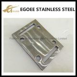 ステンレス鋼の正方形のベースのフランジを柵で囲むこと