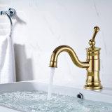 Plattform eingehangene Hahn-Badezimmer-Chrom-Hähne