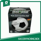 В форме квадрата гофрированной упаковки футбольного поля