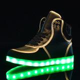 [لد] أحذية مع [أبّ] لأنّ شتاء