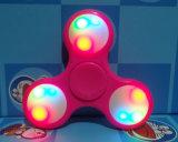 Precio de fábrica LED Tri Finger Fidget Spinner Finger Hand Spinner